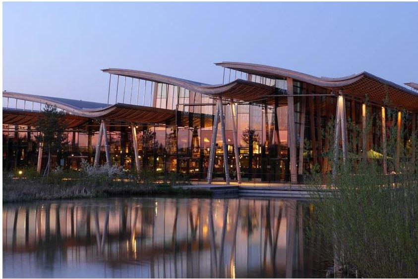 Mehr Luxus, mehr Entspannung, mehr Aktivitäten: Les Trois Forêts. Bild: Center Parcs