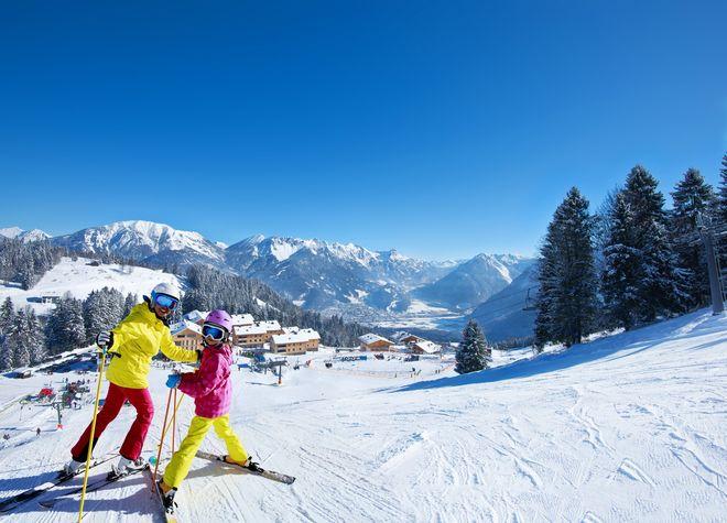 Landal Ski Life stellt sein neues Wintersport-Magazin vor. Bild: Landal GreenParks